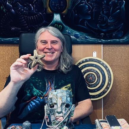 PCH s maskou Inckého šamana