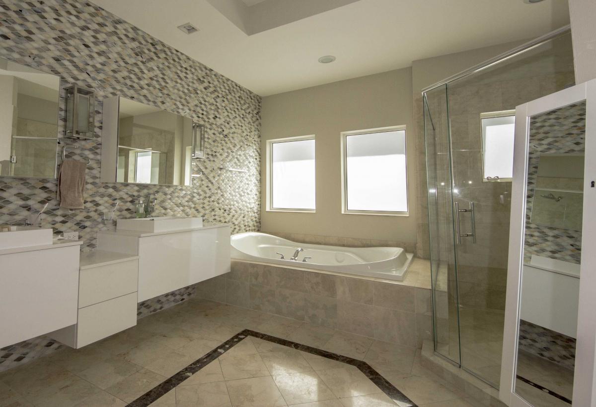 Master-Bath1.jpg