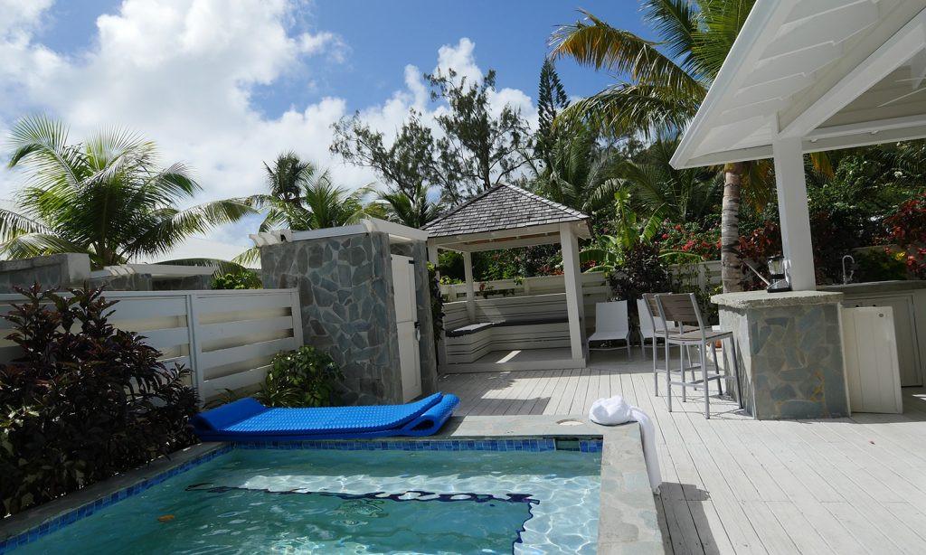 Serenity-at-Coconut-Bay-Yard-1024x614.jp