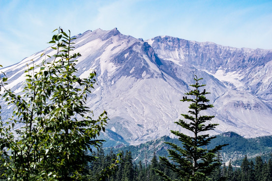 Mount St. Helens 1.jpg