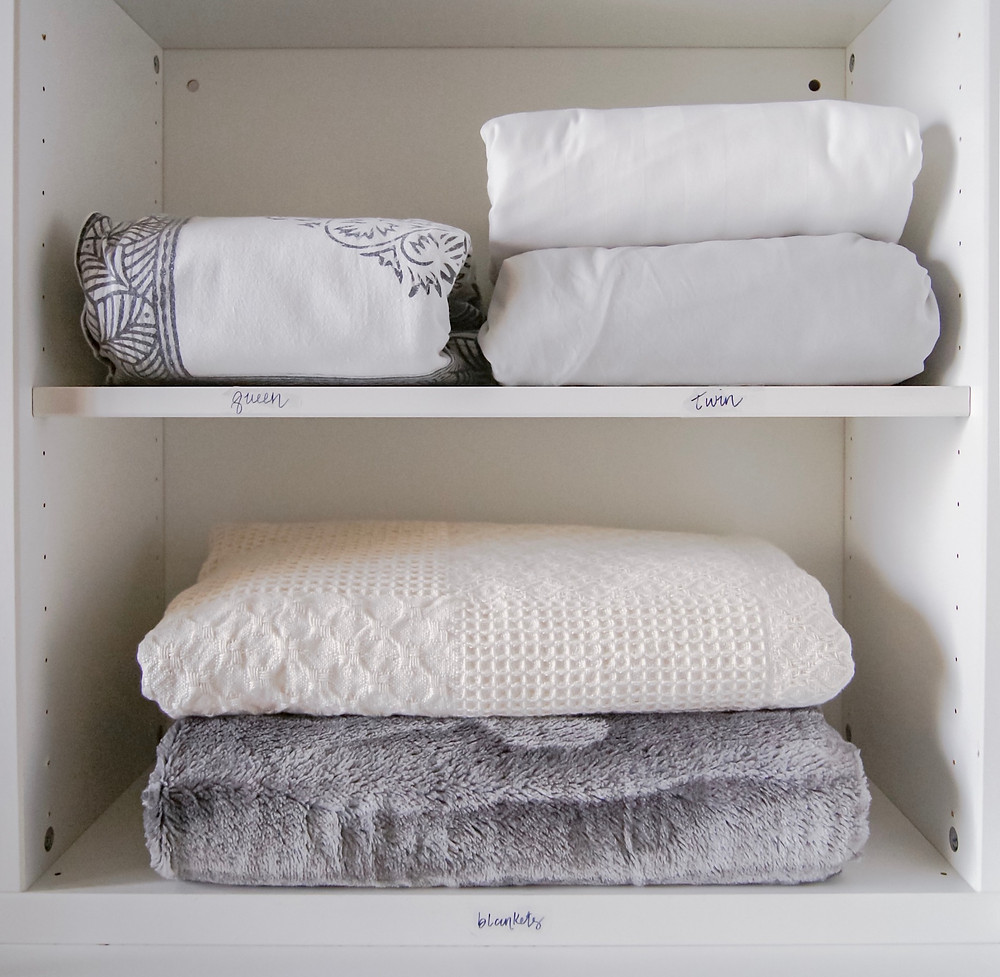 Linen organization, how to neatly store your sheets