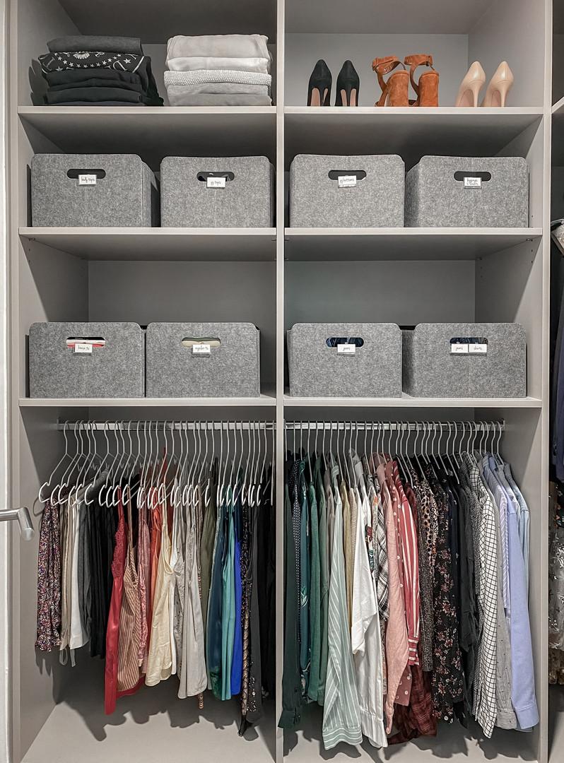 Wardrobe organization no drawers