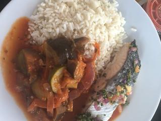Aujourd'hui notre plat du jour : pavé de saumon grillé, ratatouille maison from Danette the chief &a