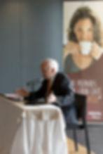 Leopoldo Abadía en una conferencia con Nestlé