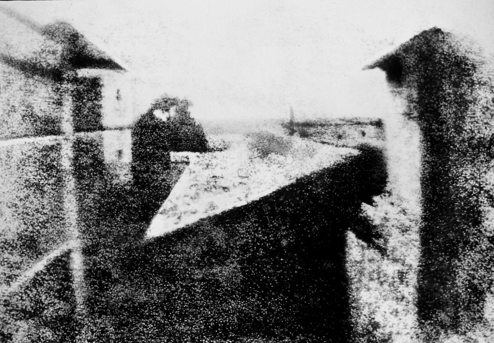 """""""Vista desde la ventana en Le Gras"""" Primera foto 1826 Niepce"""