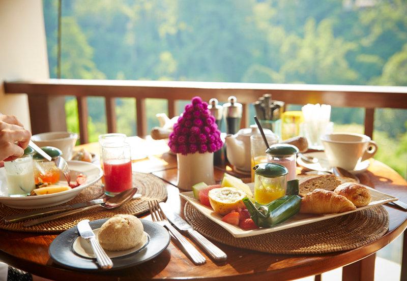 breakfast hanging gardens