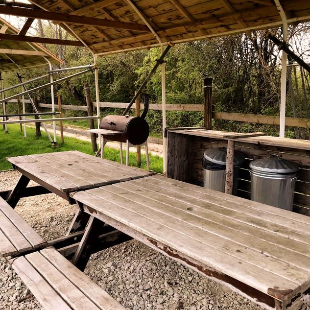 Field shelter