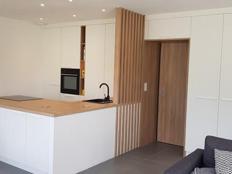 Conception d'une entrée et d'une cuisine dans une maison neuve à Sainte Luce/Loire.