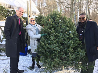 ChristmastreewithBishop