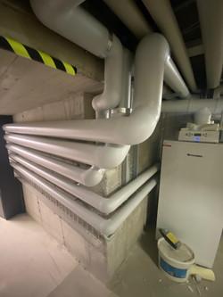 Warm - und Kaltwasserleitungen