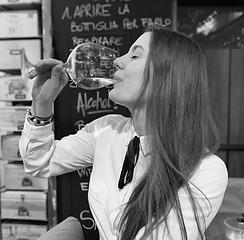 sipos-reka_marlou-wine-bar.png