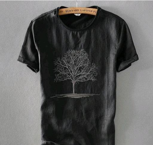 Attractive Men's Black T-shirt