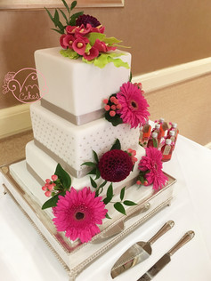 3-tier square fondant w/ Calla Lilies & fresh flowers