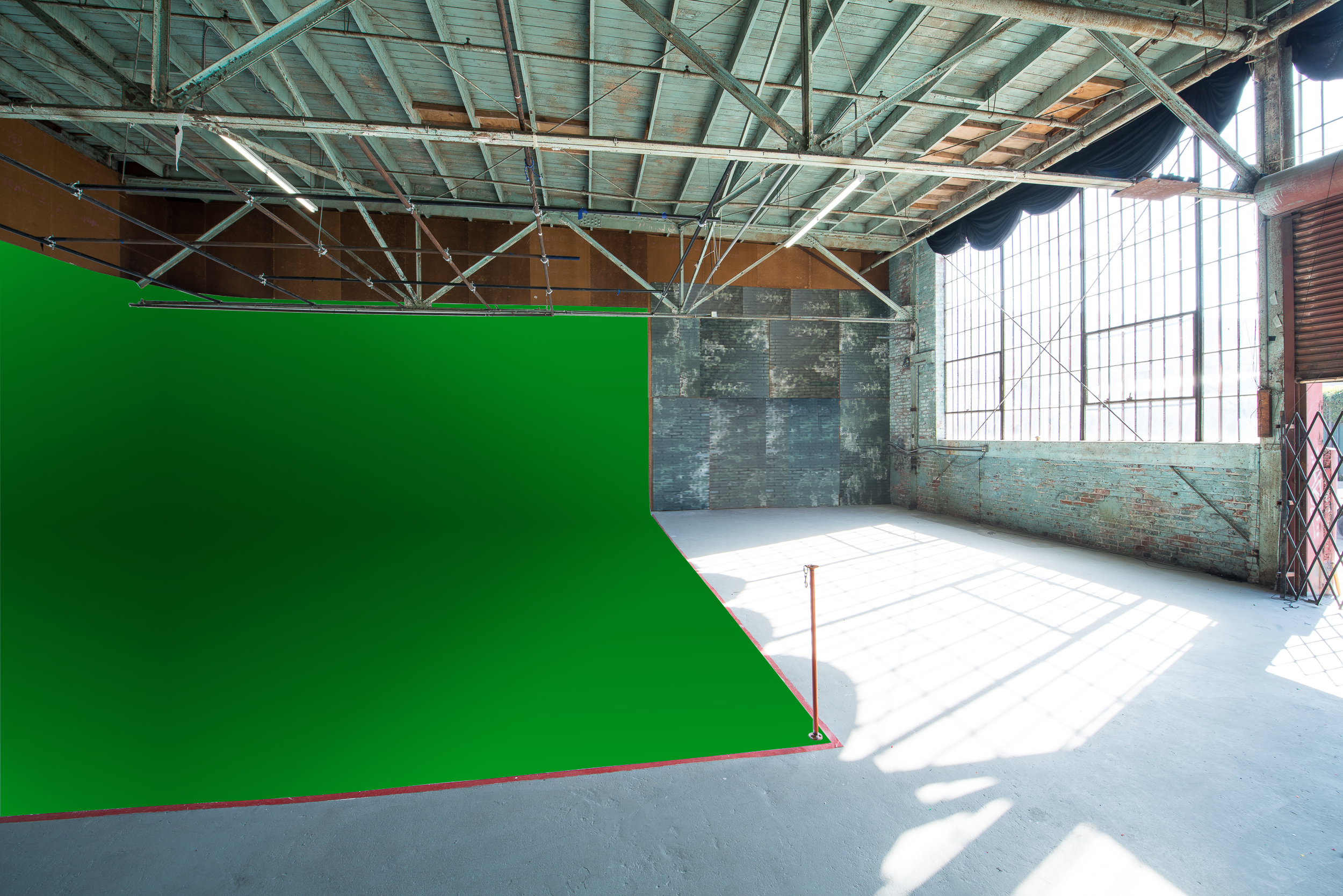 CYC STUDIO GREEN SCREEN