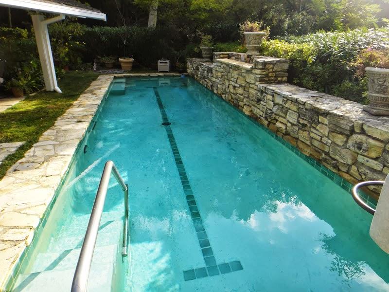 House 9 pool