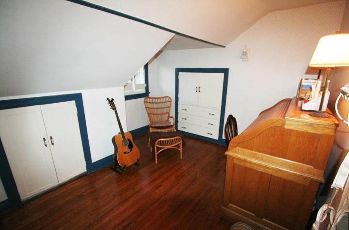 smallbedroom2_upstairs.jpg