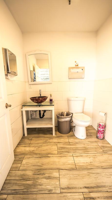 H2OStage-Bathroom-alt