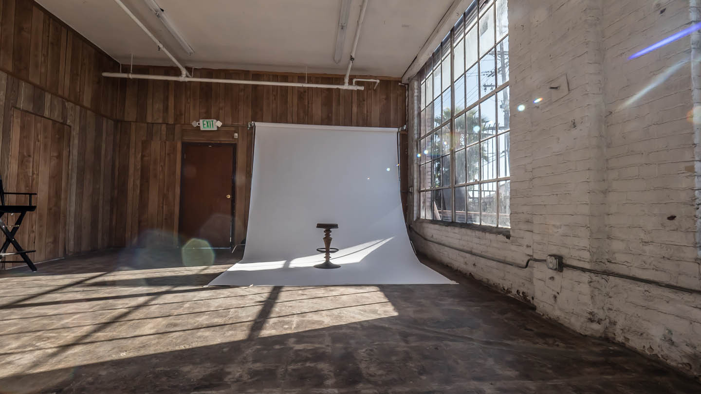 OfficeStage-PhotoStudio-web.jpg