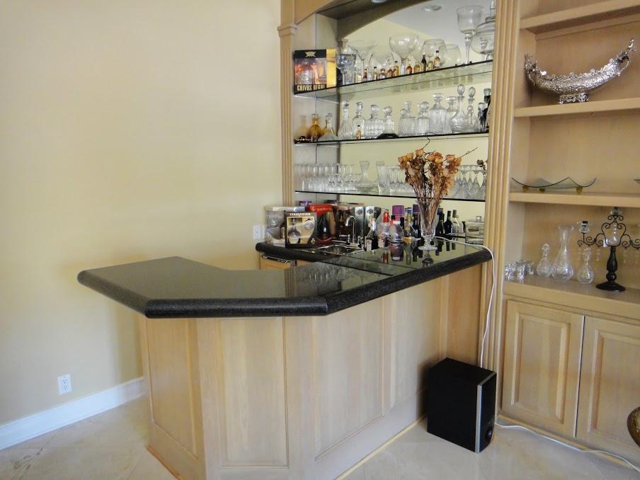 House 7 bar