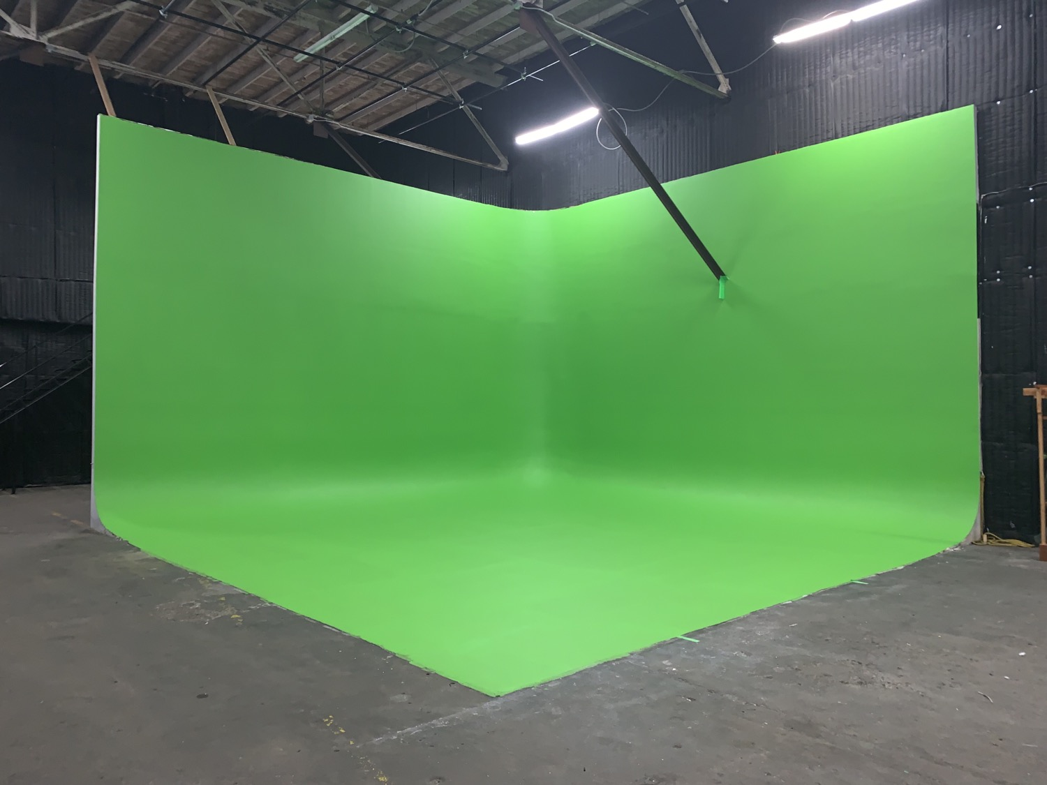 Grand 2 Stage Green Screen CYC