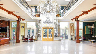 Mansion Location Brentwood