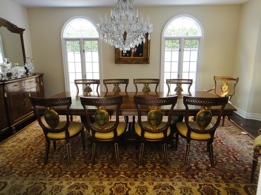 House 7 dining room