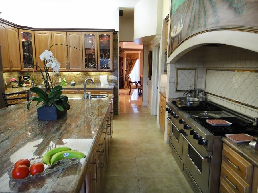 House 3 kitchen