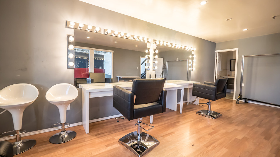 H2OStage-MakeupStations