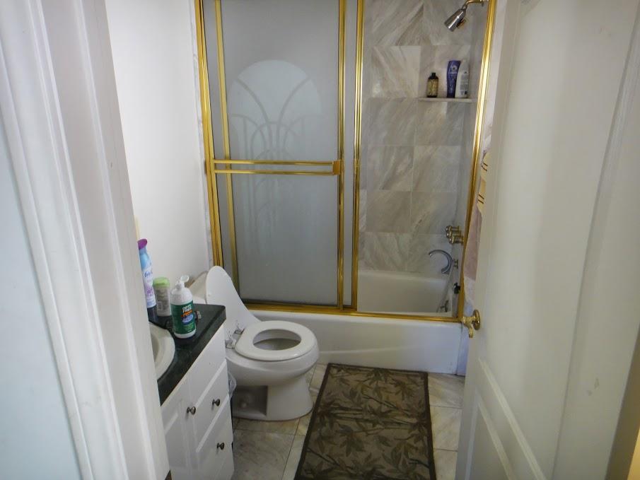 BEDROOM 4 BATHROOM.JPG