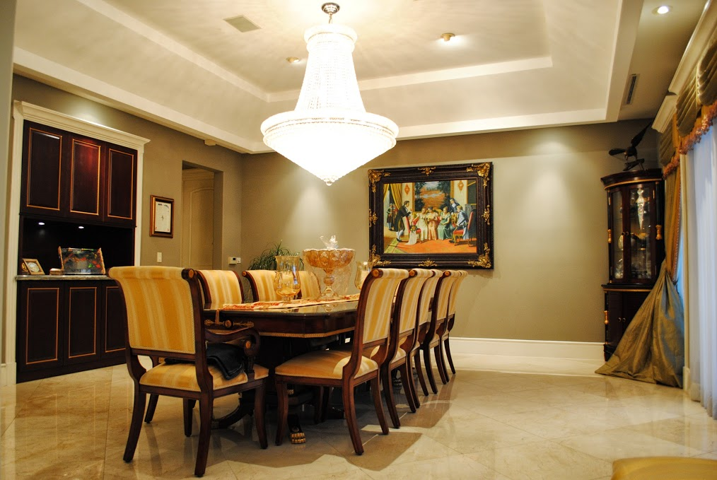 House 3 dining room