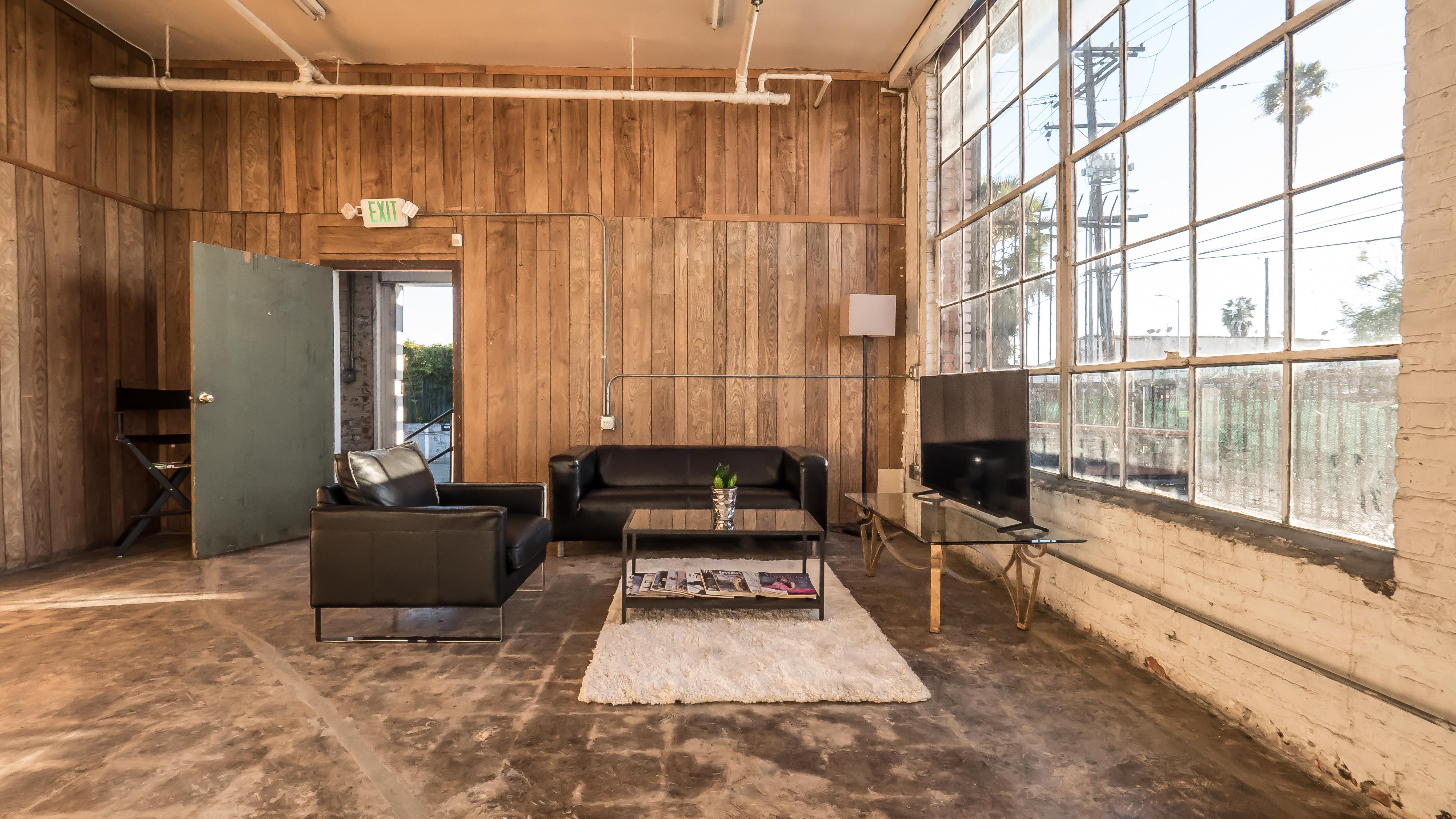 Client Lounge Set-Up