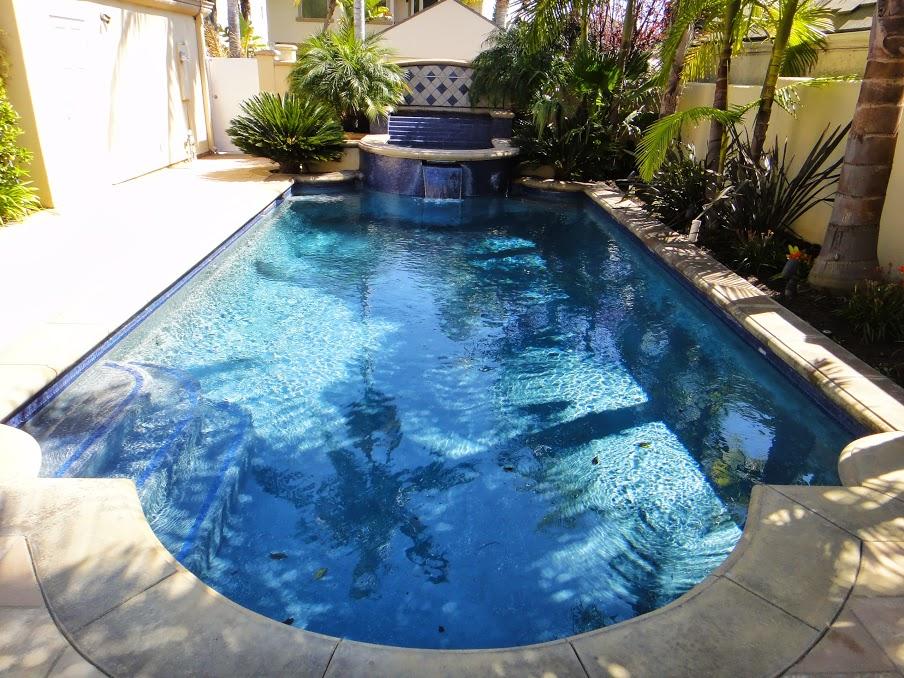 House 7 pool