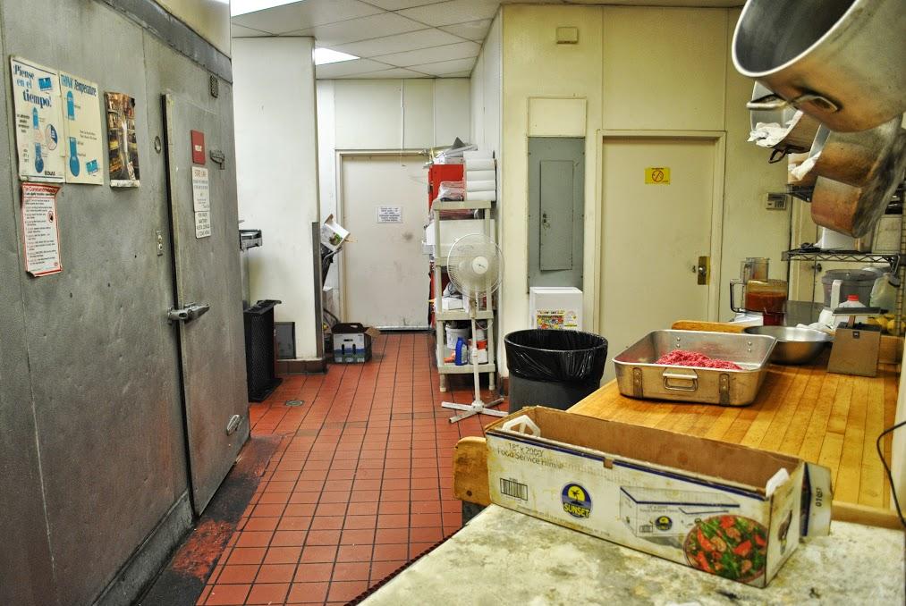 Restaurant 04