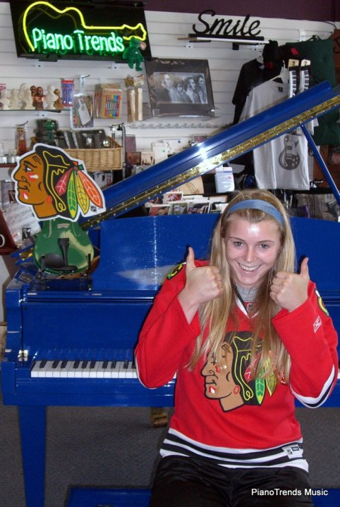 Hannah Gates Gives a thumbs up to our Chicago Blackhawks and their Stanley Cup Championship