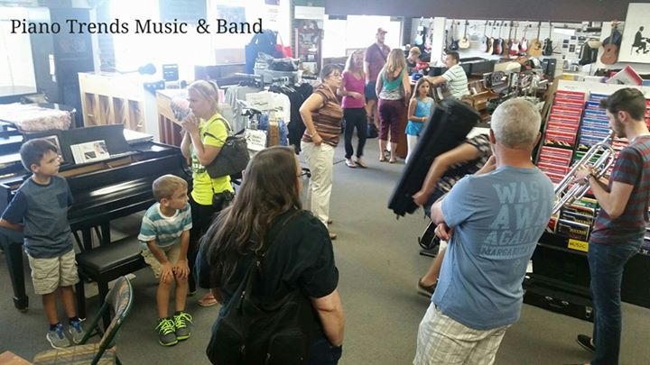 ANOTHER BUSY BACK TO SCHOOL BAND DAY AT PIANO TRENDS MUSIC & BAND __Such a cool experience
