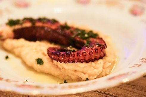 Poulpe purée pois chiche - Restaurant de specialités niçoises - La Boulisterie Club.jpg