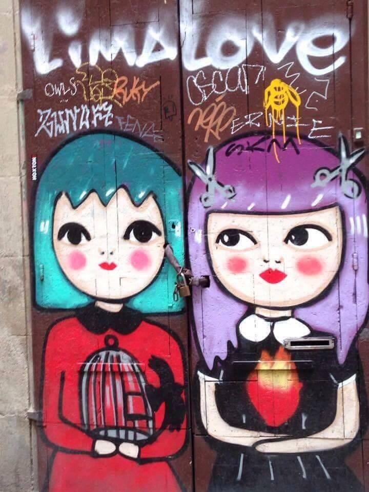 street art two puppets