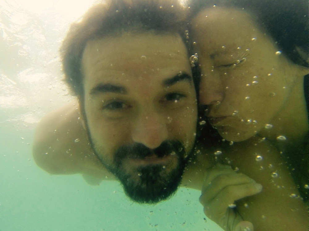 2 people under water