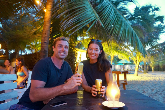 Go-with-the-flow-travel: Meet Rozanna and Jono