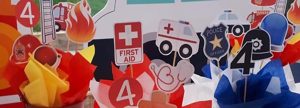Emergency vehicle centre pieces
