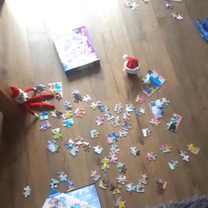 Elf on the Shelf Jigsaw time