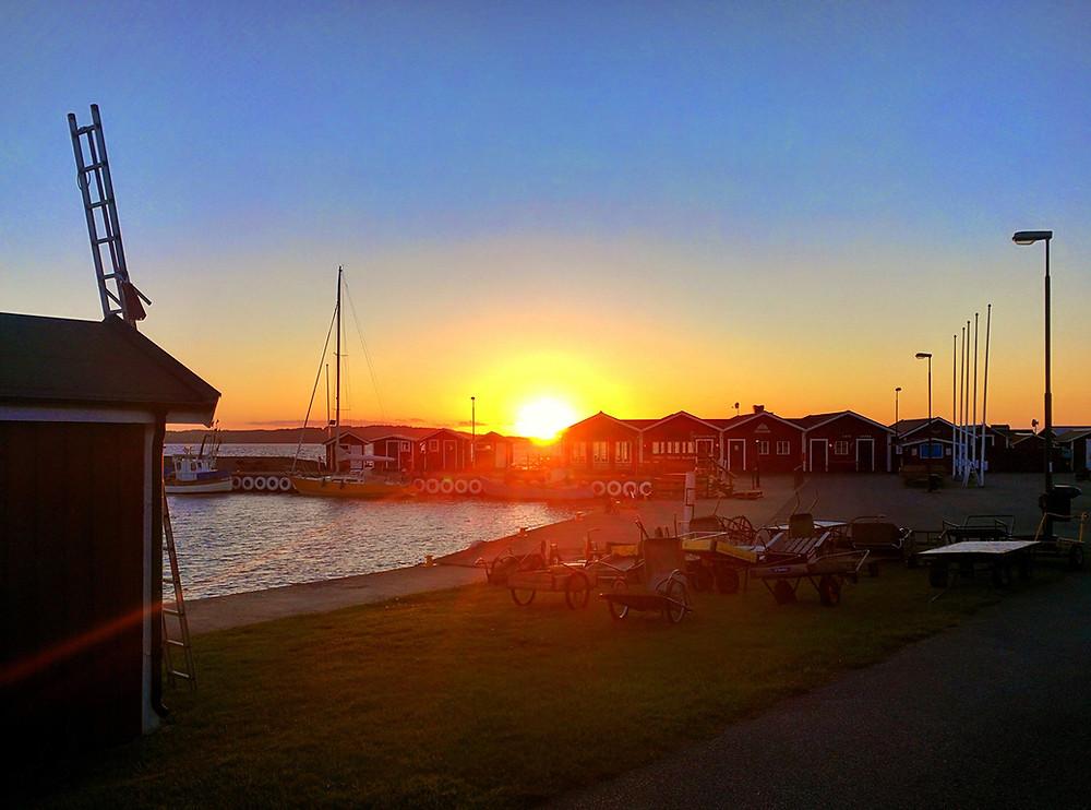 Hanö hamn i solnedgång