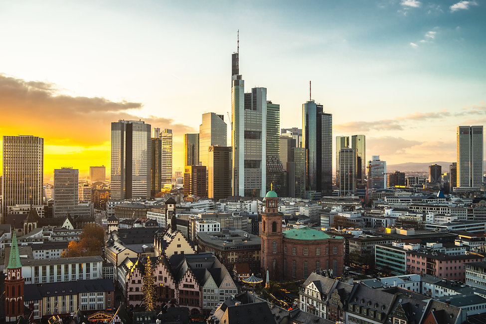 cityscape-of-frankfurt-covered-in-modern