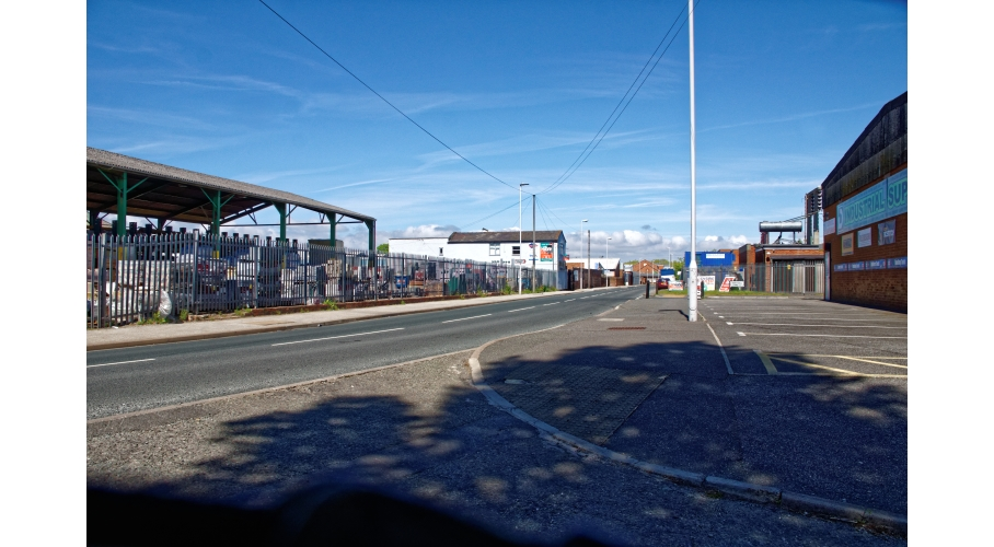 26d Carr Lane Industrial Estate East into the Estate