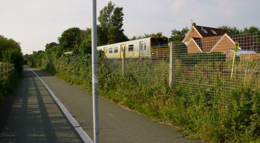 36e Footpath Municipal Golf Course Railway Level-crossing to Meols Drive