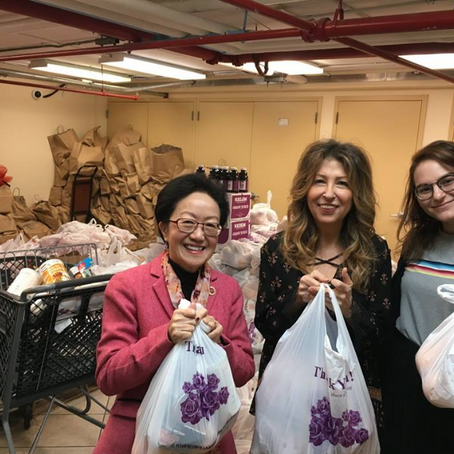 Delivering Passover Meals to Seniors