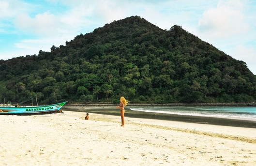 Selong Belanak Beach