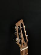 Guitare-acoustique-hybride-luthier-john-melis-nylon