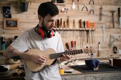 Luther-ukulele-atelier-toulouse-artisan-j.melis-luthier