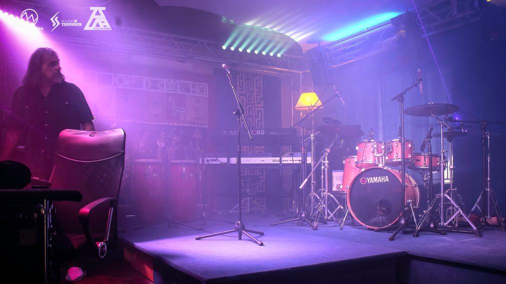 AUDIOLAB - PICS - LIGHTS ON-7.jpg